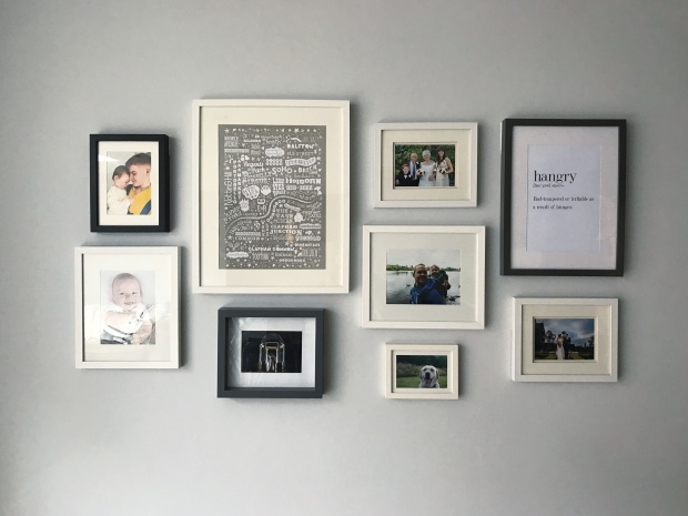 create a gallery without damaging your walls